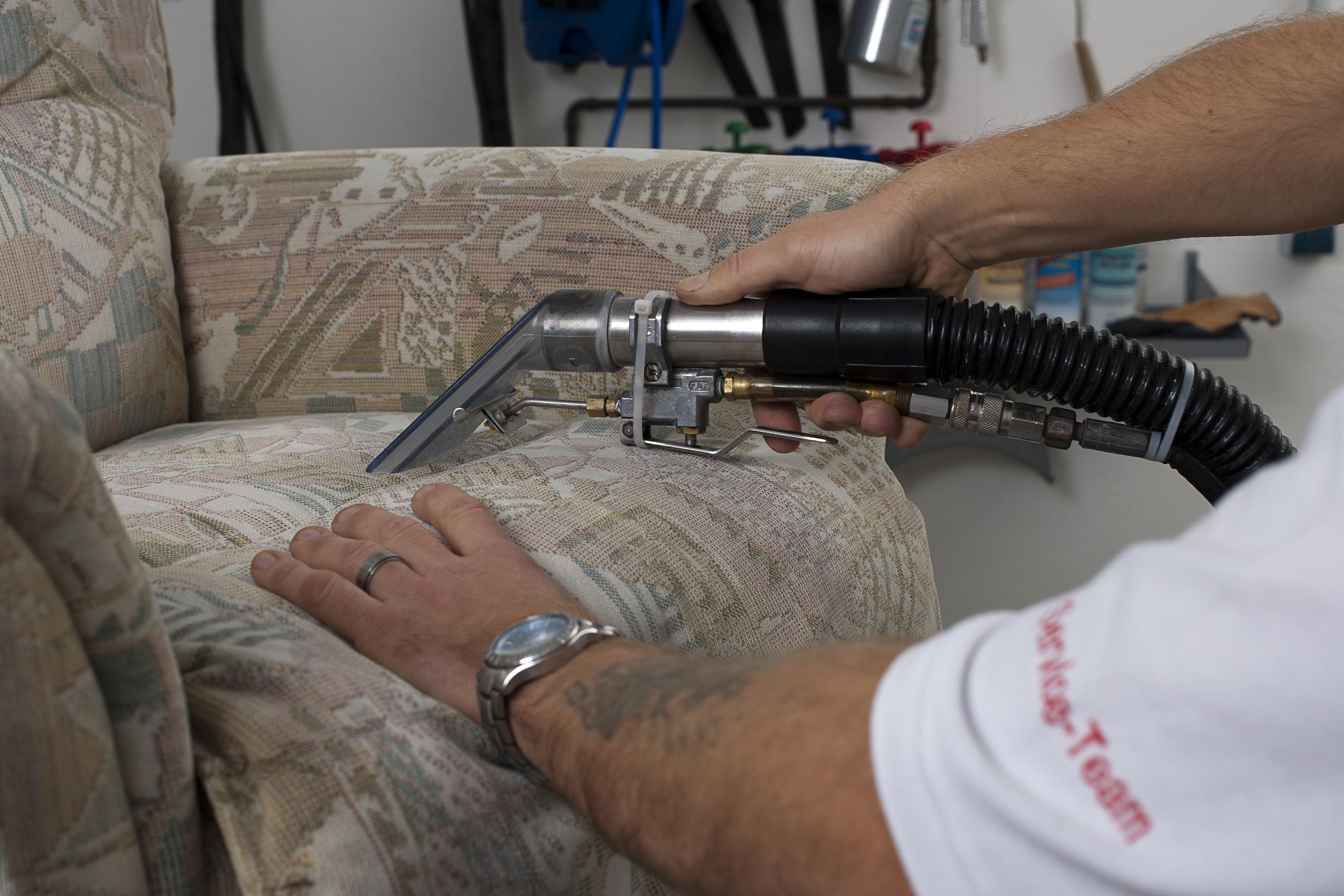 Reinigung von Polstermöbeln & Matratzen – DROSTE